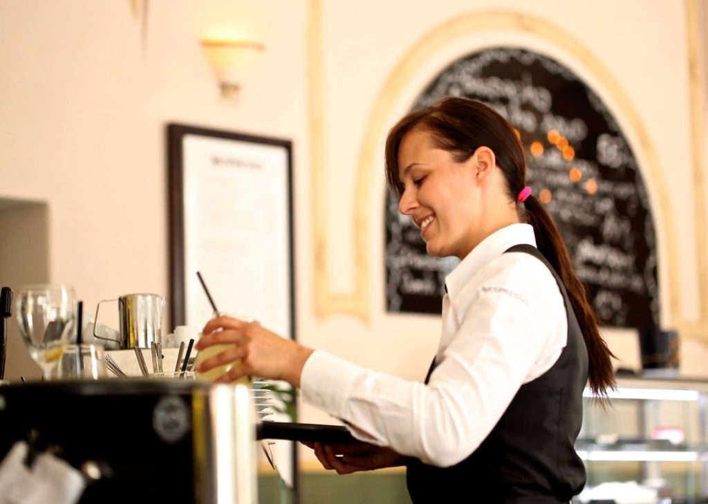 recrutement serveuse restauration Lyon